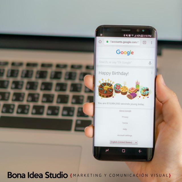 Como hacer que Google me salude para mi cumpleaños 🥳 Haz que Google te sorprenda con un mensaje especial cuando llegue tu cumpleaños con un Doodle de manera muy simple con estos 4 pasos.  Visita nuestro blog o link directo bonaideastudio.com/doodlegoogle ¡Cuéntanos si Google te ha saludado alguna vez por sorpresa!  #doodlegoogle #Google #Birthday #curiosidadesnerds #juntospodemos #aprendamosjuntos #tutorialesfaciles #googletips #googletipsandtrick #marketingdigital #seo #utilidadespublicas